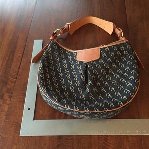 Dooney & Bourke Bags - Dooney & Bourke handbag